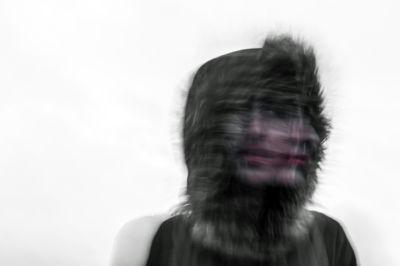 Foto de chica borrosa